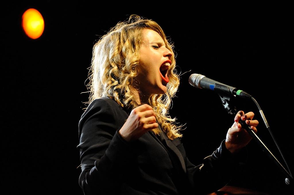 Anna Calvi - Rome 2011